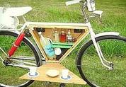 Fahrrad mit Picknickaustattung
